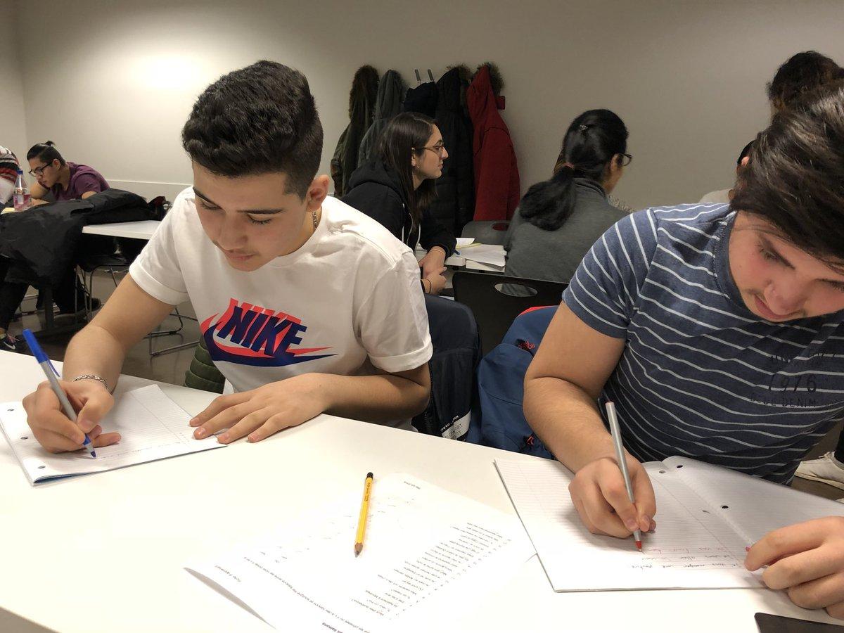 test Twitter Media - Le tutorat individuel permet de répondre de façon ciblée aux besoins de chaque élève, et à s'assurer qu'ils donnent le meilleur d'eux-mêmes pendant l'apprentissage des langues. https://t.co/b7cPHwIGRJ