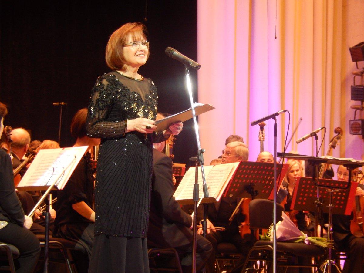 Поздравление дирижеру оркестра