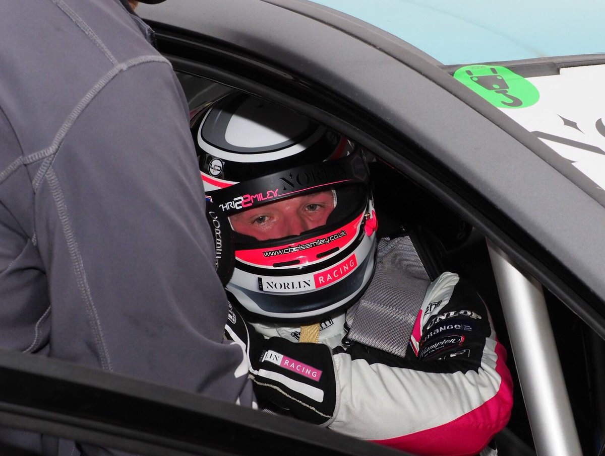 Another partner keeping our two drivers @ChrisSmiley22 and @JamesnashRacing safe last weekend was non other than @CorbeauSeatsUK #safety1st #btcc #hondauk #bestseats<br>http://pic.twitter.com/G6iIE1c6F5