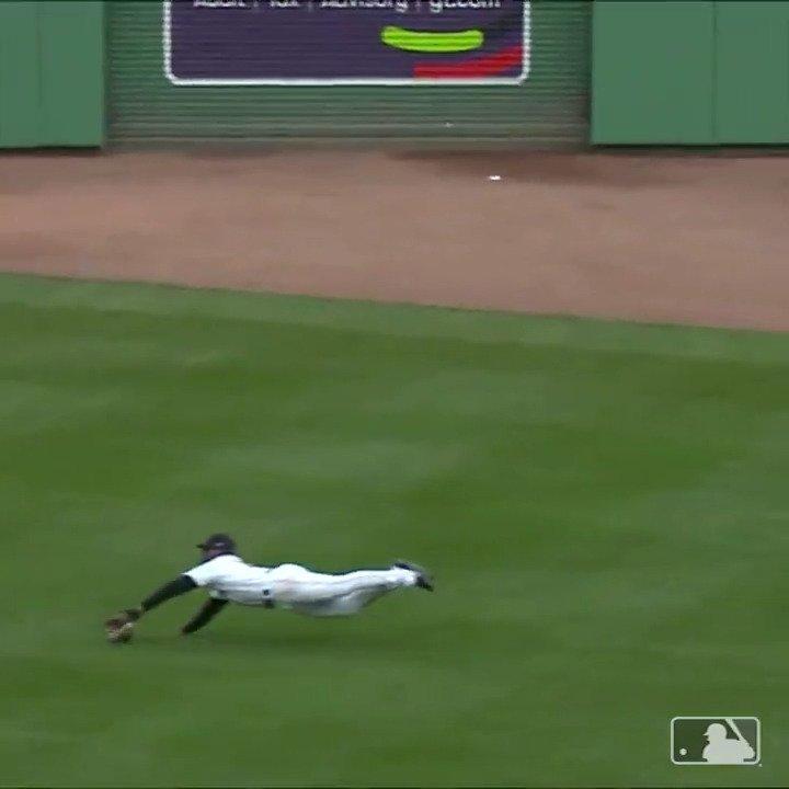 Center field, right field, the moon.  Wherever you put JBJ, he will make an amazing catch. https://t.co/FIlnMzIpl5