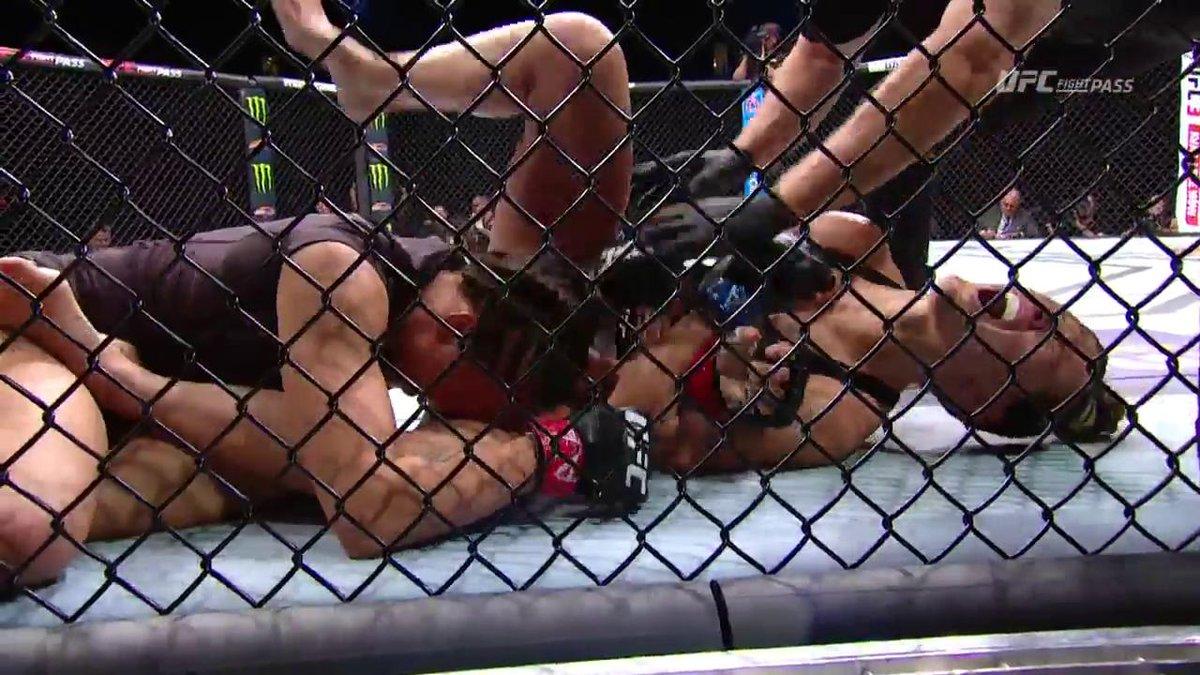 What a fight!!  @KarateHottieMMA & @CastIron_Casey put on a show!  Howd you score it? #UFCGlendale