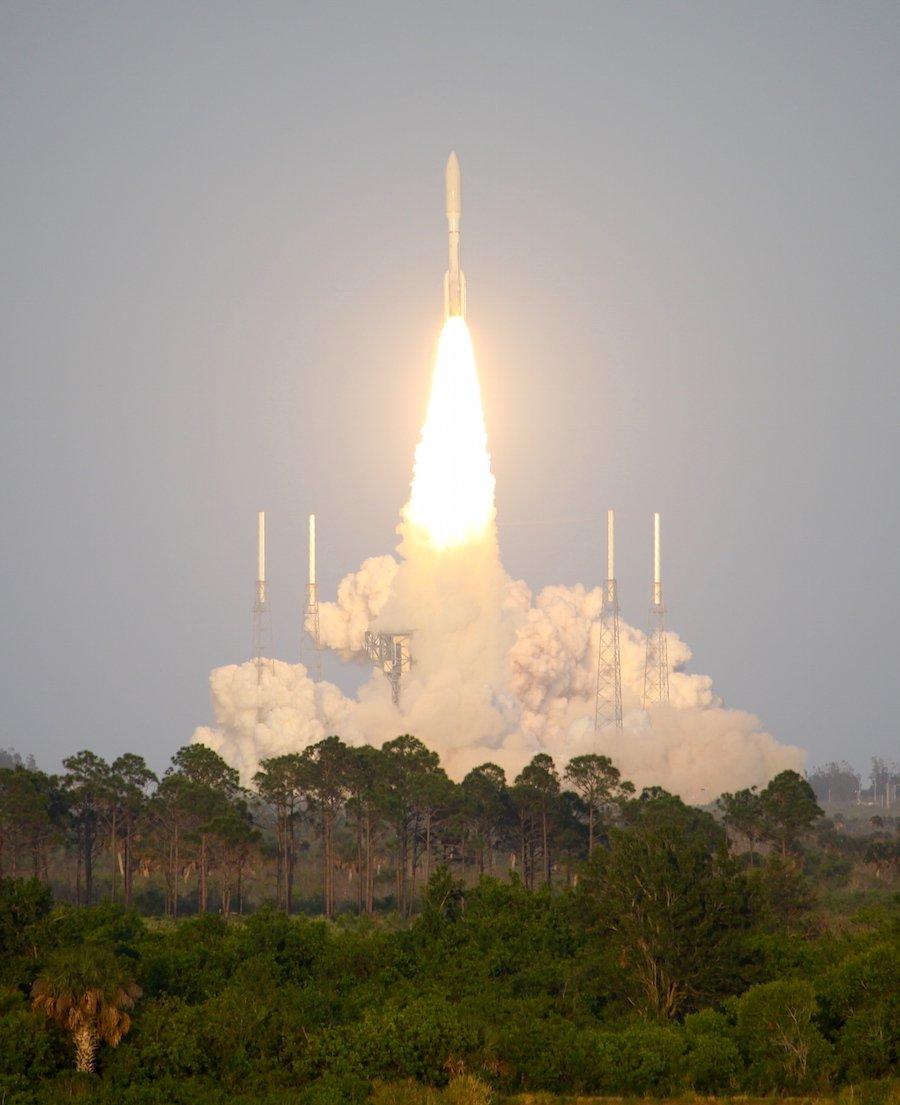 بعد إطلاق صاروخ أمريكي بحمولة عسكرية… هل بدأت حرب الفضاء رسمياً؟ DayT4roXcAAcLYK
