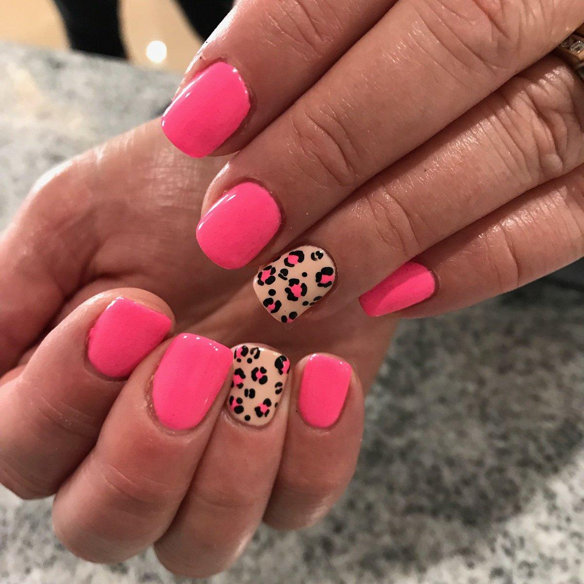 Kim Stinebaugh On Twitter Bubble Gum Pink And Cheetah Print Nails