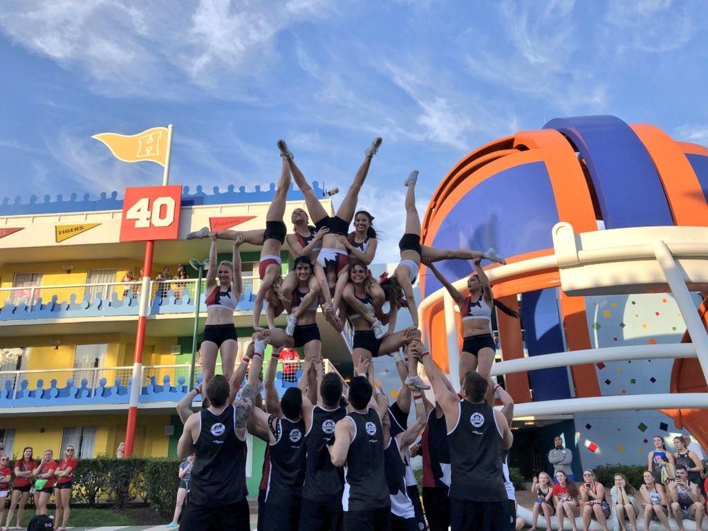 @TeamCanadaCheer Coed Premier highlights! Good luck in finals today 💜 #CheerDistrict #icuworlds2018 (📸: @FordkJ)