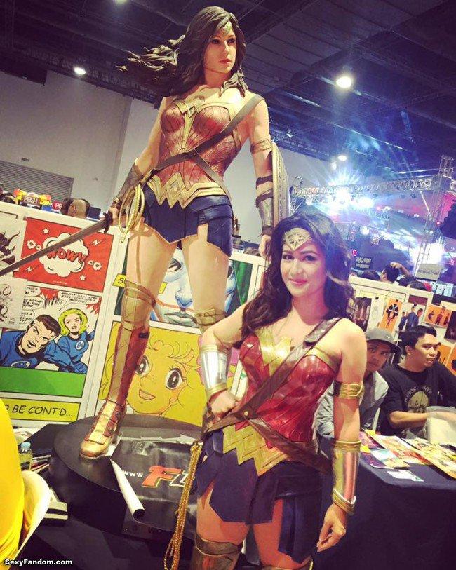 Sexy Fandom: Real life Wonder Woman https://t.co/Pq5HnjeoTv...