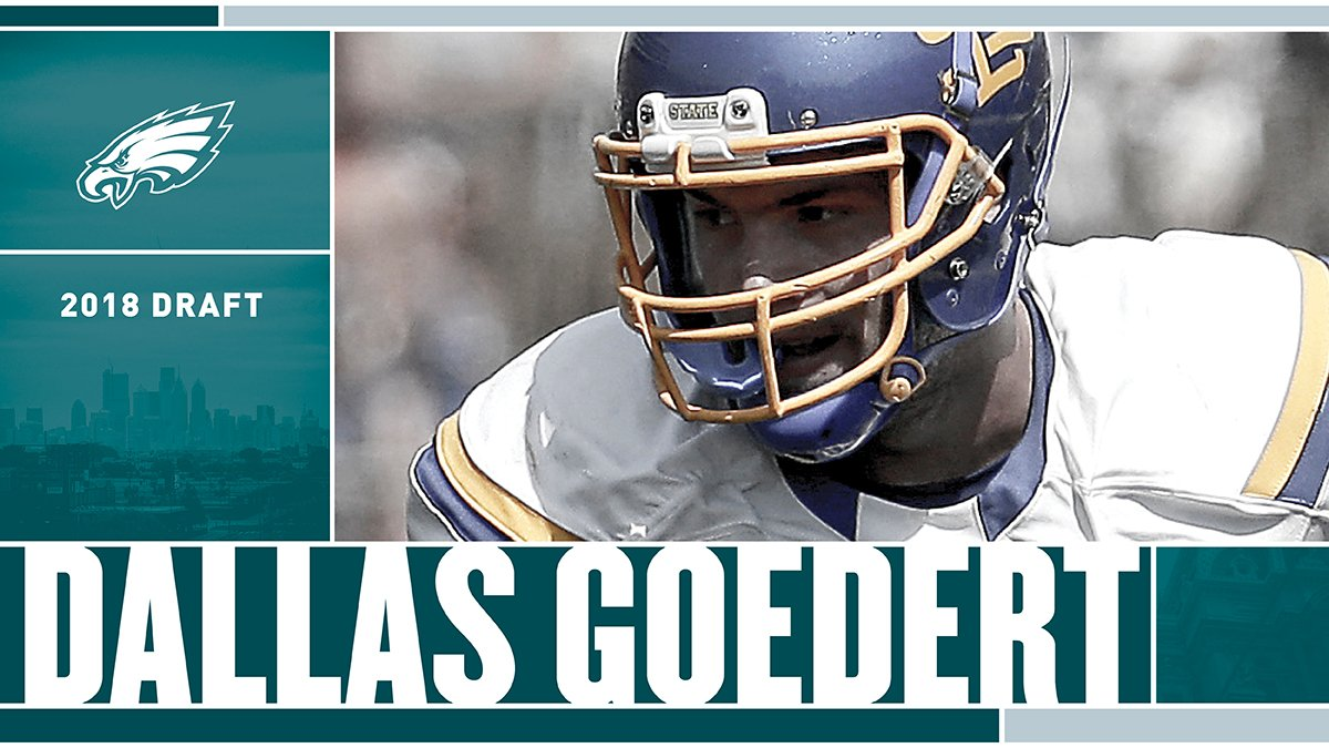 With the 49th pick in the 2018 #NFLDraft, the #Eagles select TE Dallas Goedert.  #FlyEaglesFly https://t.co/9Z6YY1Ez7O
