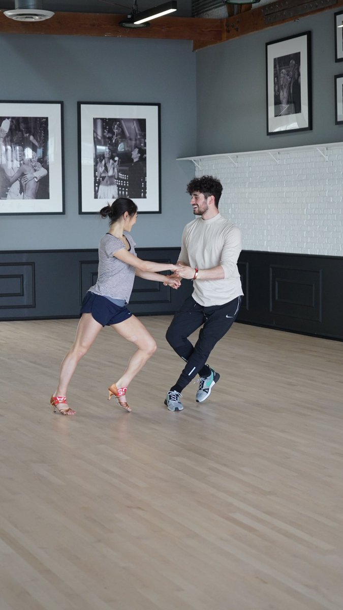 Dancing with the Stars / Танцы Со Звездами (США) Db1c85lVQAA7JD_