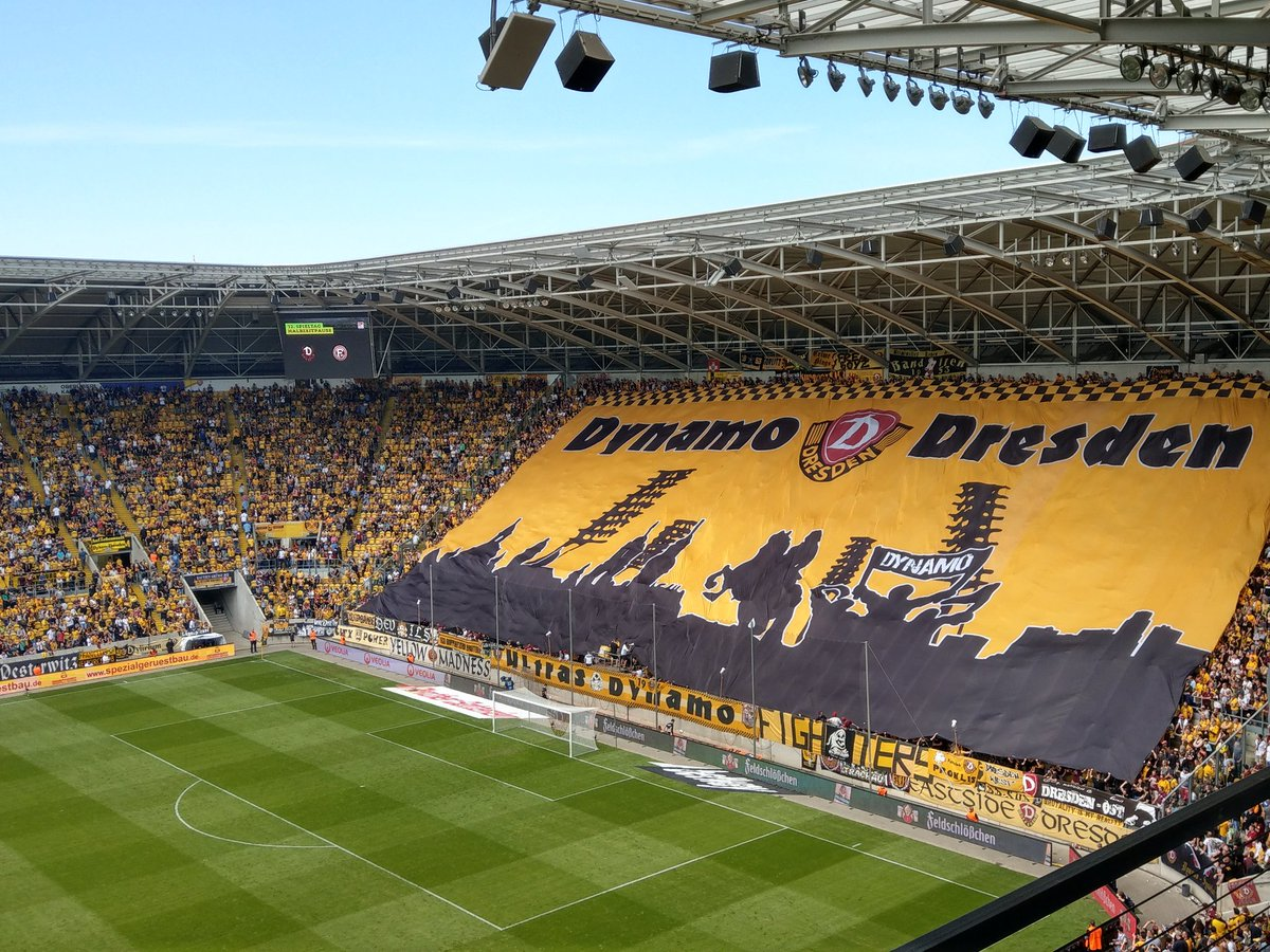 Dynamo Blockfahne