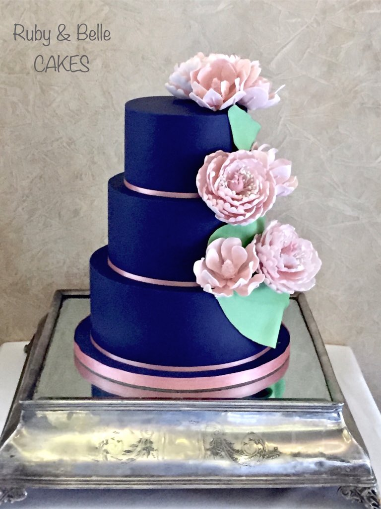 Ruby Belle Cakes On Twitter Navy Blue Wedding Cake With Pale