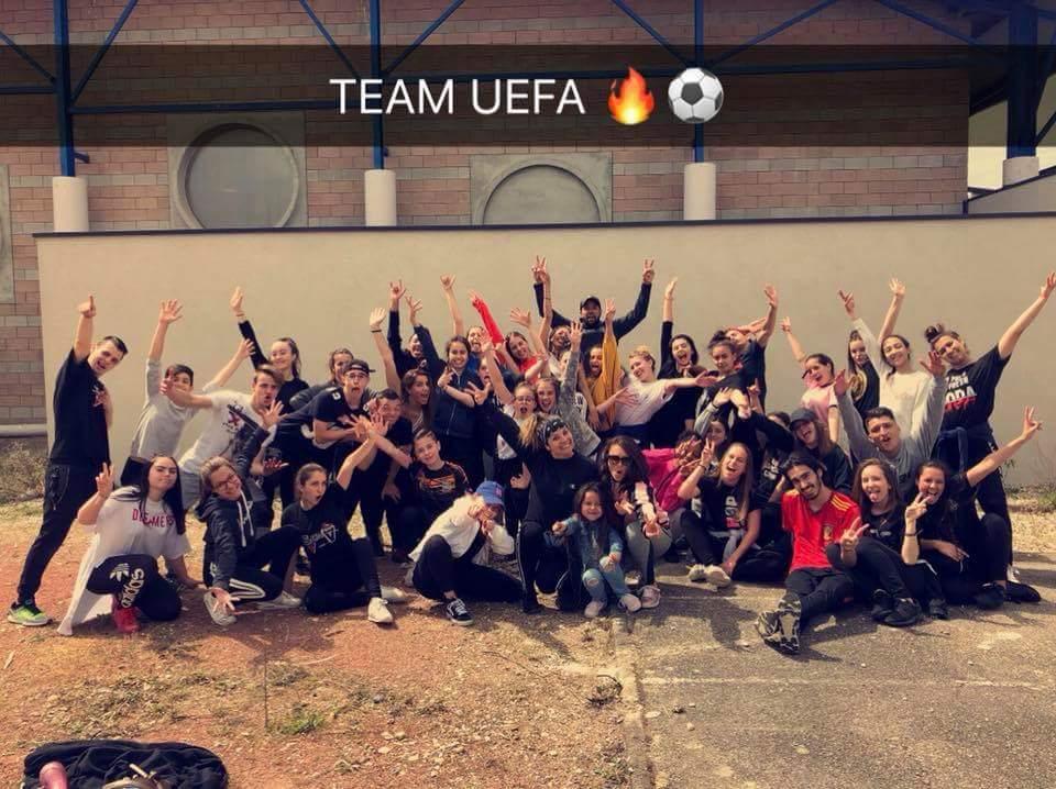 Une partie de la TEAM UEFA hâte de nous retrouver ts ensemble les 180 danseurs ! #dancers #uefaeuropaleague #lyon #groupamastadium  @sebastienclain UEFA-Europa-League  JulieFlores @paulinecampo Vulpes Environnement & Communication @mickaelros Groupama Stadium  - FestivalFocus