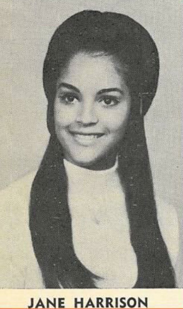 Jayne Kennedy Talks About Her NFL Today Career, Giving It Up and Coming  Back – GET MORE SPORTS