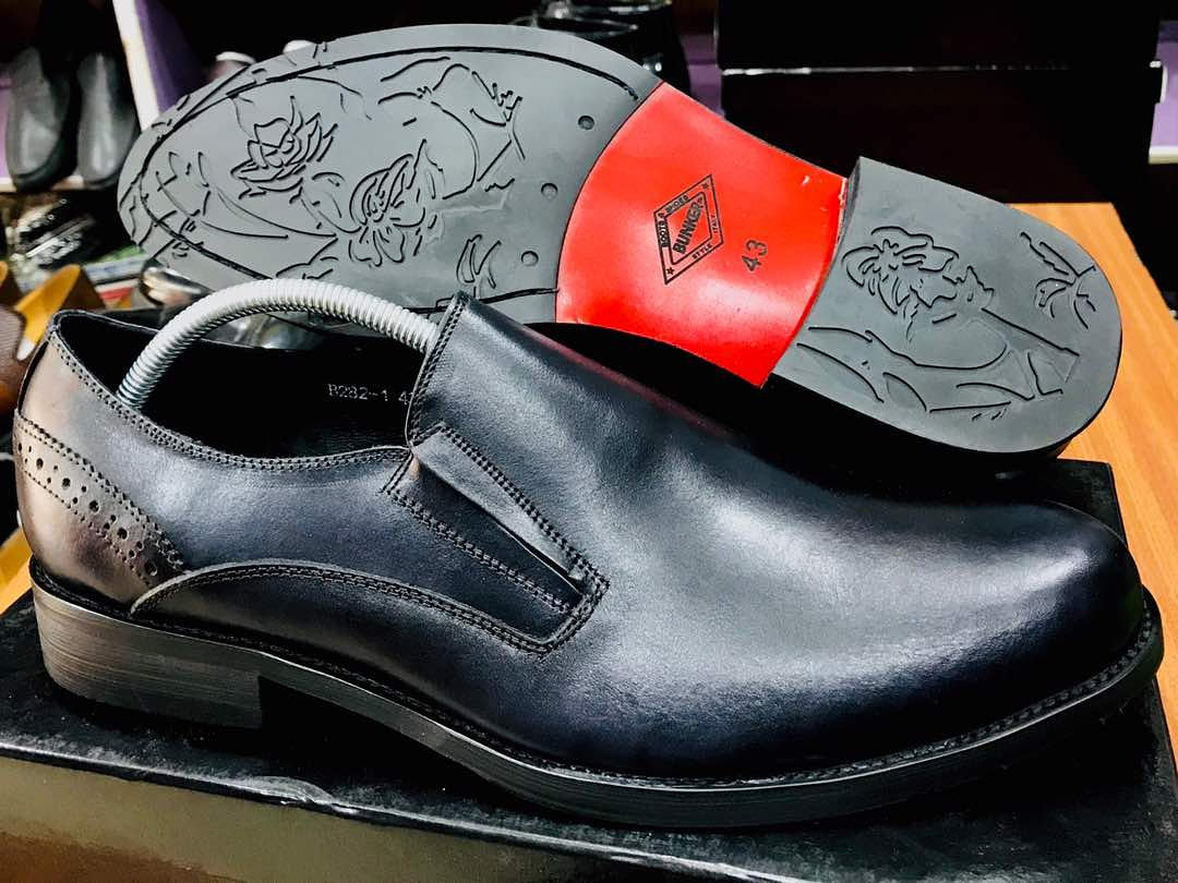 Bunker Italian shoes. Available in different sizes... DM or Call to place an order.  #shop #bunker #meninstyle #lagosfashion #mensfashion #shoes #meninlagos #ttoo #shoppingonline #easyttooshoppic.twitter.com/iu18jNIHeC