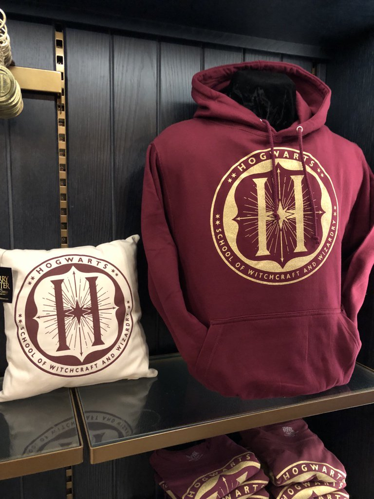 db4c08a9d #CursedChild added some pretty nice new Hogwarts merch in the past few  days. Previously only had House stuff.pic.twitter.com/f0NnU9k73F
