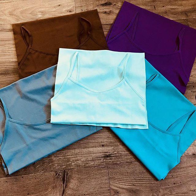 When sis @chrisszoe says her mini tank dresses are $5 on @shopchrisszoe you buy all the colors available 💁🏾⠀ ⠀ #bloggerbabe #minitankdress #tankdress #white #8colors #black #brown #peach #grey #mint #neon #aqua #purple #chrisszoe #shopchrisszoe #bas… https://t.co/2ZJyF5FfsV https://t.co/C0gMescozK