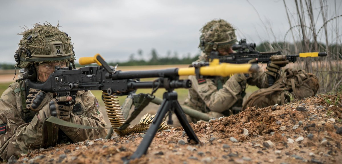 British Army On Twitter Soldiers From 2 Rifles One With The GPMG Left And Another SA80 A2 Watch For Enemy Movement During Exercise
