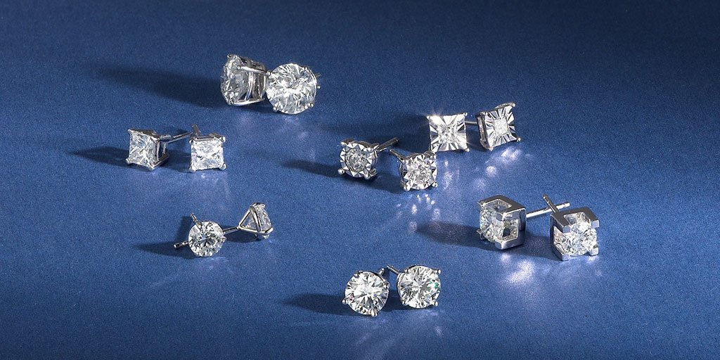 Fred Meyer Jewelers On Twitter Clic Diamond Stud Earrings Are The Perfect Gift For A New Grad Https T Co 7avx56htwx