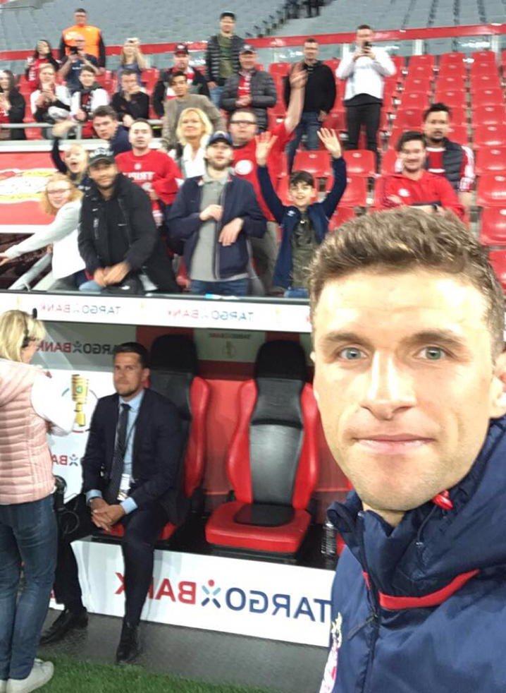 🤳 Euer Mann des Spiels? #Müllered #FCBay...