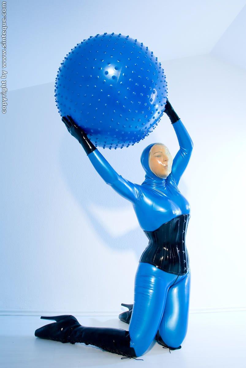 Bubble gum bitches n balloon babes
