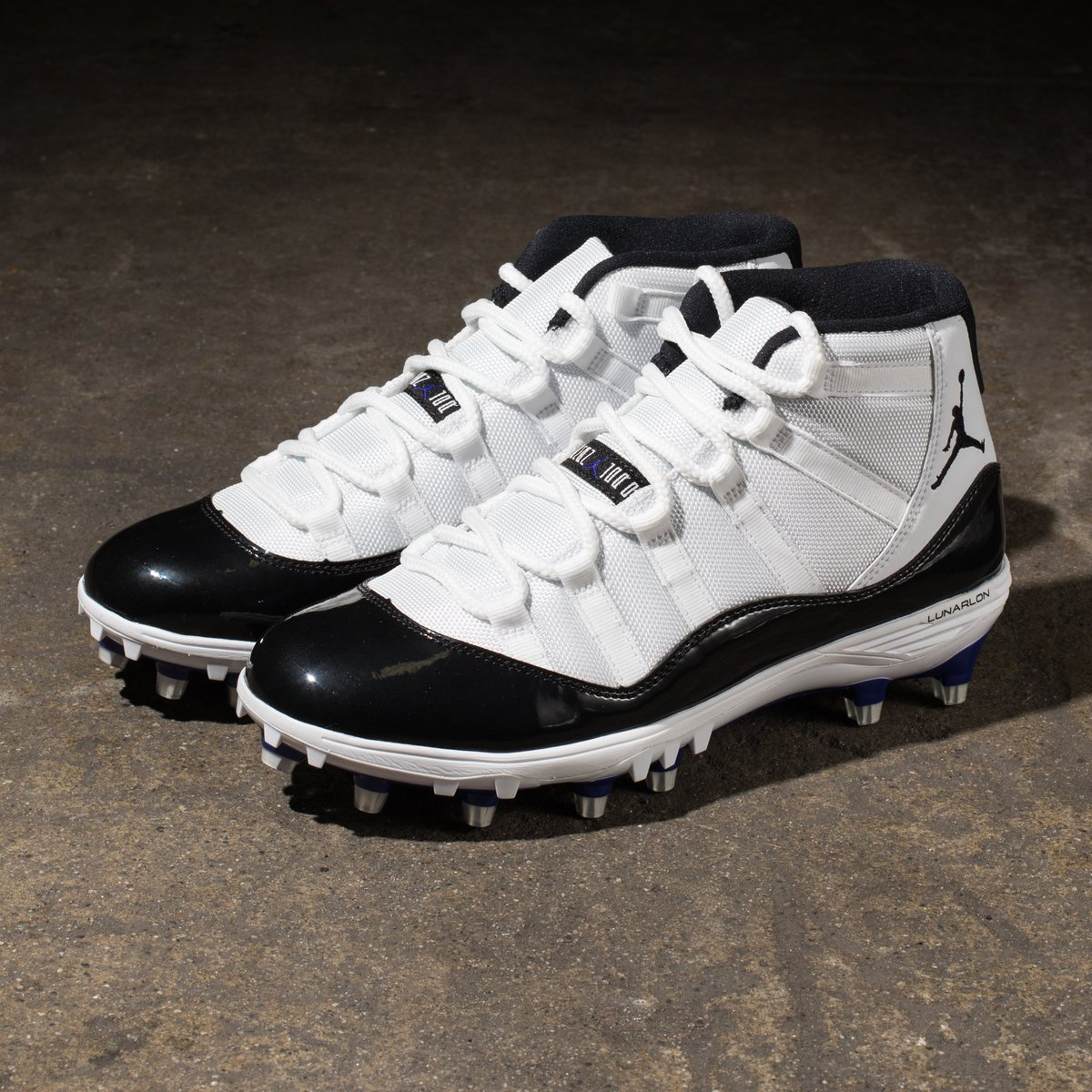 d3cb13027d3 Air Jordan XI Retro TD Cleat    Available now at Select Undefeated Chapter  Stores and http   Undefeated.com pic.twitter.com 71BhJQpszM