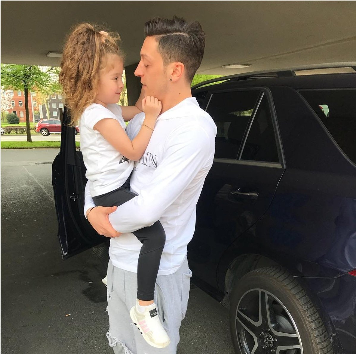 See you soon my little princess ❤ #Mira #UncleMesut #Familytime