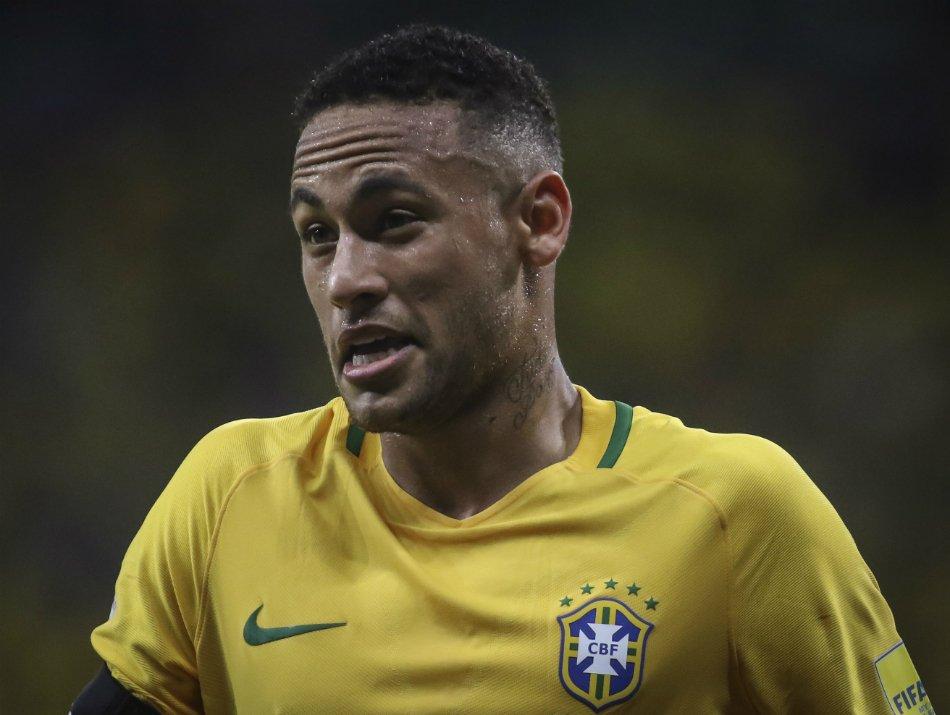 Neymar fará exame um mês antes da estreia do Brasil na Copa para saber condição do pé  ↪ https://t.co/kuRFsWmvlv