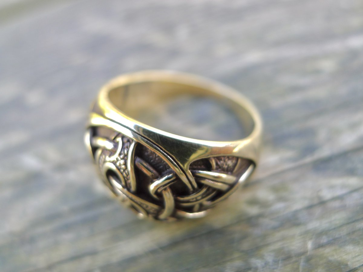 Aidi Macdibhi On Twitter The Triquetra Is Considered One Of The