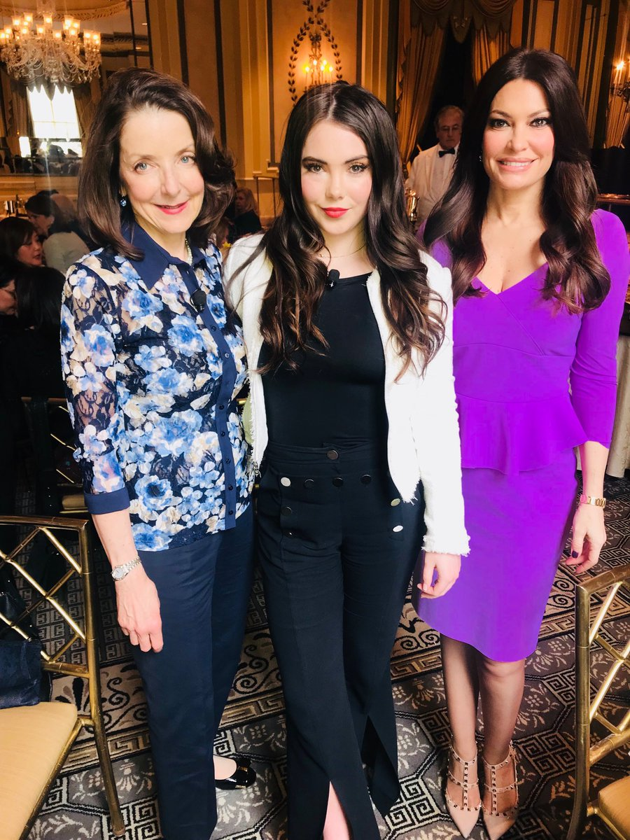 @nyspcc with @McKaylaMaroney and Mary Pulido NYSPCC Director- powerful talk today #keepkidssafe #puttinganendtoabuse #NYSPCC