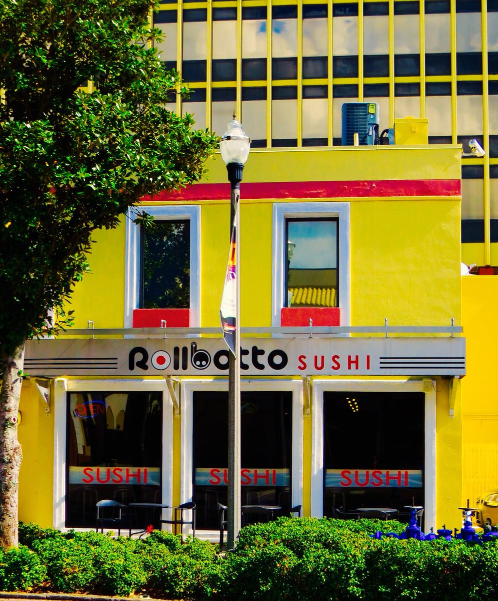 Welcome to @rollbotto where we are rolling love  ...one sushi roll at a time! Enjoy fresh made to order signature or build your own sushi! Dine-in, pickup or have it delivered! #sushi #rollbotto #dtsp #usfsp #stpete #kspl #vspc #igerstpete #eckerd #SPCollege<br>http://pic.twitter.com/6lPUXSnp11