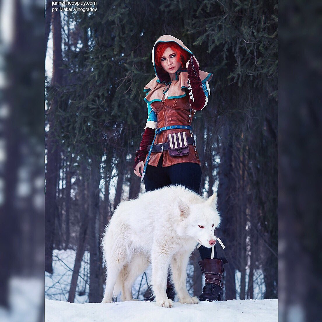 Found Geralt!  It's time to start the quest in order to restore his former body!  White Wolf feel so comfy in cold Ask all you want ^^ today I can answer all comments  #Triss #wolf #whitewolf #forest #teissmerigold #trisscosplay #cosplay #russia #cold #winter #thewitcher<br>http://pic.twitter.com/Sk2QhFec6l