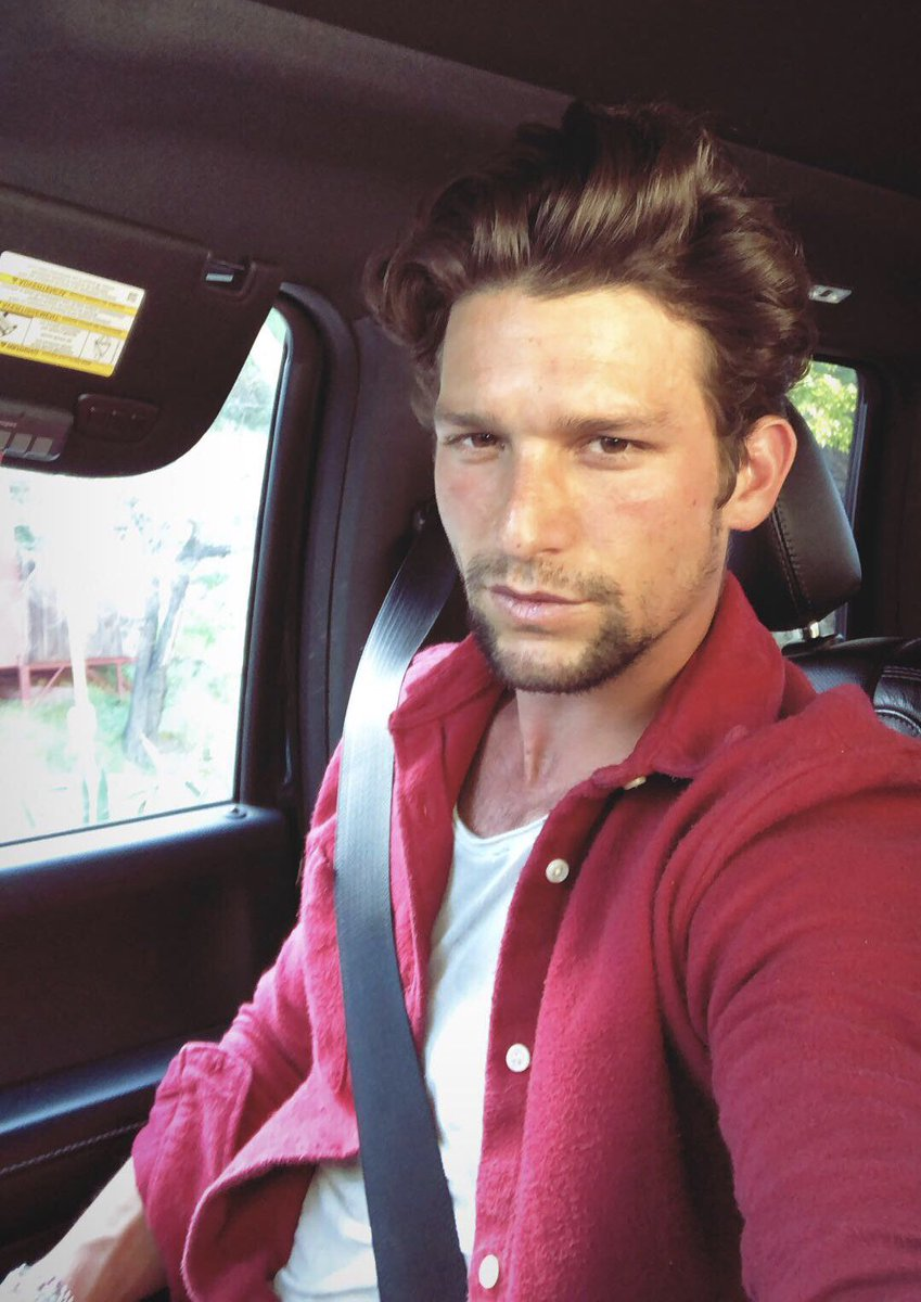 Daren Kagasoff On Twitter People who liked daren kagasoff's feet, also liked daren kagasoff on twitter