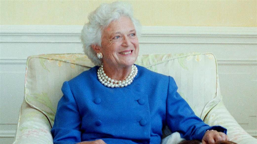 #BREAKING: #HOUSTON LEGEND &amp; Former First Lady Barb Bush has died. We must never forget her legacy of CIVILITY &amp; DECENCY #BarbaraBush #FirstLady #Bush<br>http://pic.twitter.com/vOFS1ABNZY