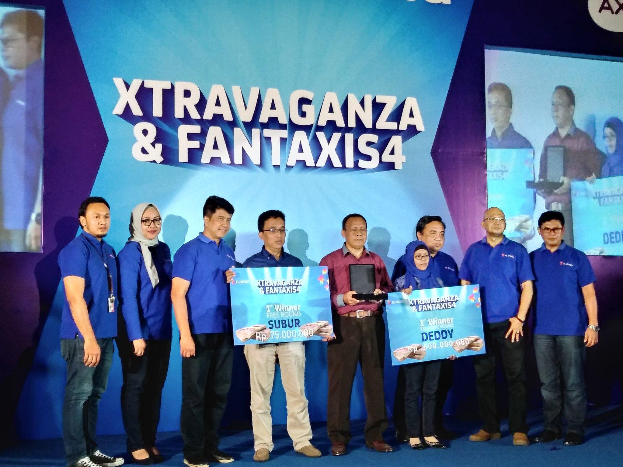 pelanggan-yang-mendapat-hadiah-Xtravaganza dan FantAXIS