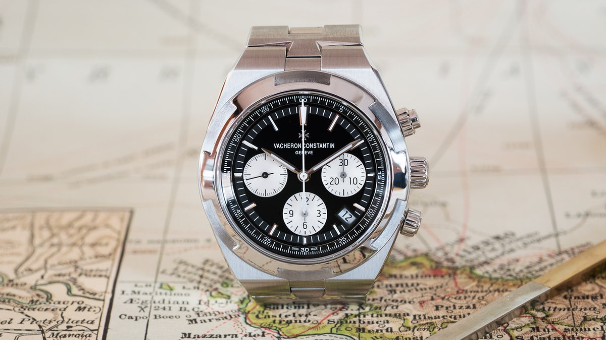 Discover the new Overseas Chronograph With Reverse Panda Dial via @HODINKEE ow.ly/FKNW30jwFJ1