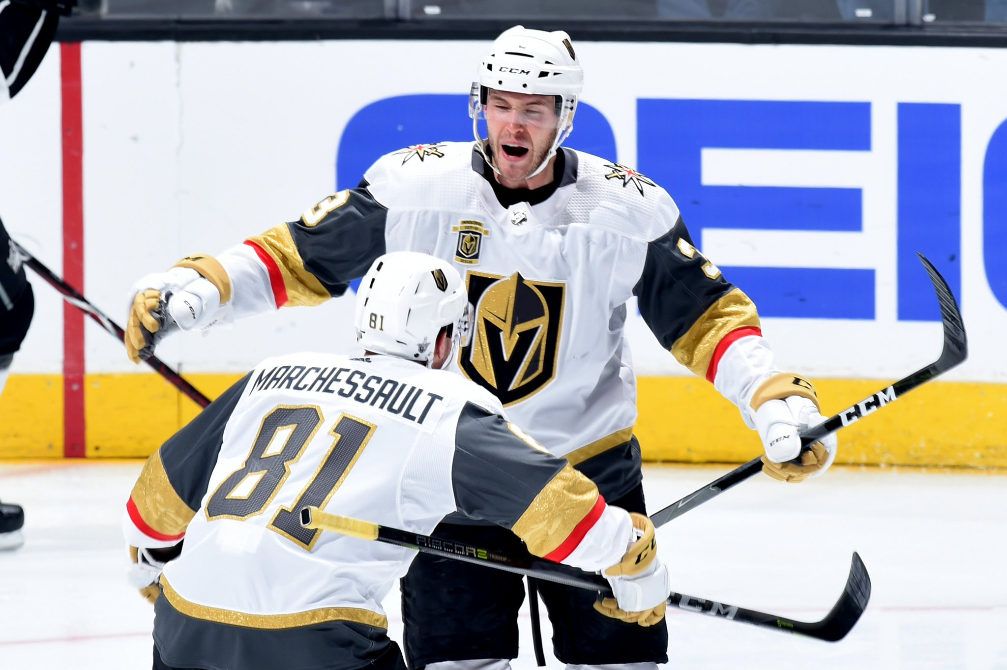 VIVA LAS VEGAS!  Golden Knights become first team to complete a postseason sweep in their inaugural season https://t.co/trFZmsLUAW