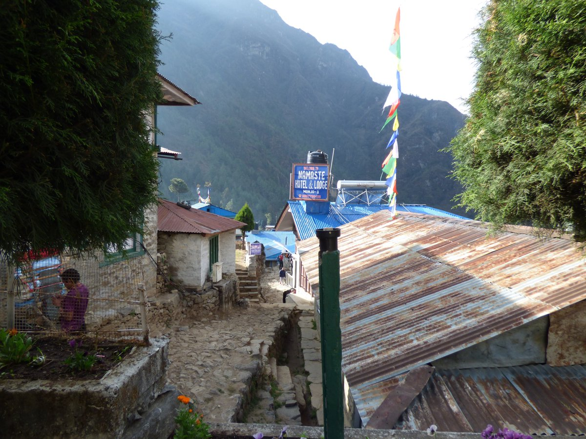 This time last year, we started our trek to Everest Base Camp. Trekking from Lukla to Monjo. An early flight into the airstrip at Lukla and then a steady wander to the village of Monjo. #Everest #Nepal <br>http://pic.twitter.com/0oHdErdgXS