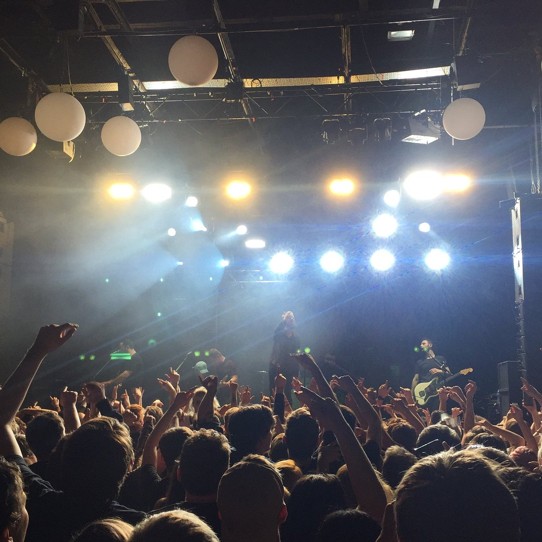 So @thewonderyears smashed it last night at @swxbristol. Jeez. 📸 : instagram.com/aw_archives_/
