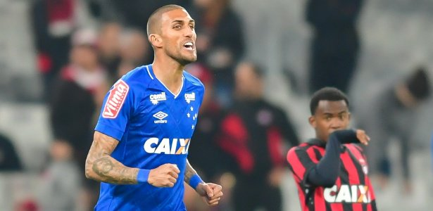 Sport e Cruzeiro negociam por Rafael Marques, sem espaço com Mano https://t.co/IxYiJOFlSn
