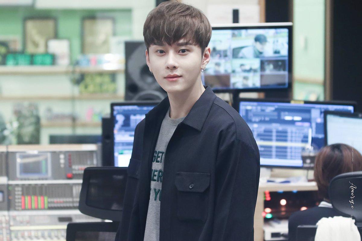 จุนฮยองงี่ กลางวันครับ กลางคืนค่ะ  #จงอธ...