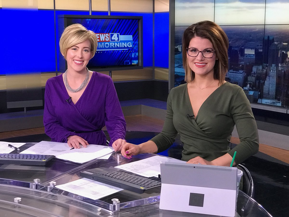 We have several new stories from overnight to tell you about this morning. Join us on @KMOV #n4tm to start your day in the know. @mhollowed<br>http://pic.twitter.com/1YwrUNtBwx