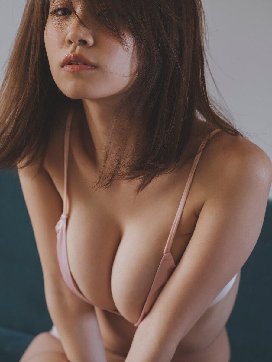 菜乃花 ツイッター 勝利のグラビア