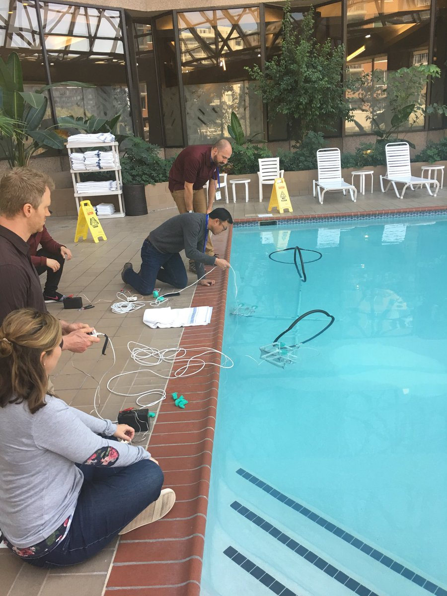 Does any other #isedchat conference have underwater robots? #ATLiSac does!!!! @damiank183<br>http://pic.twitter.com/1STkG4A4xZ