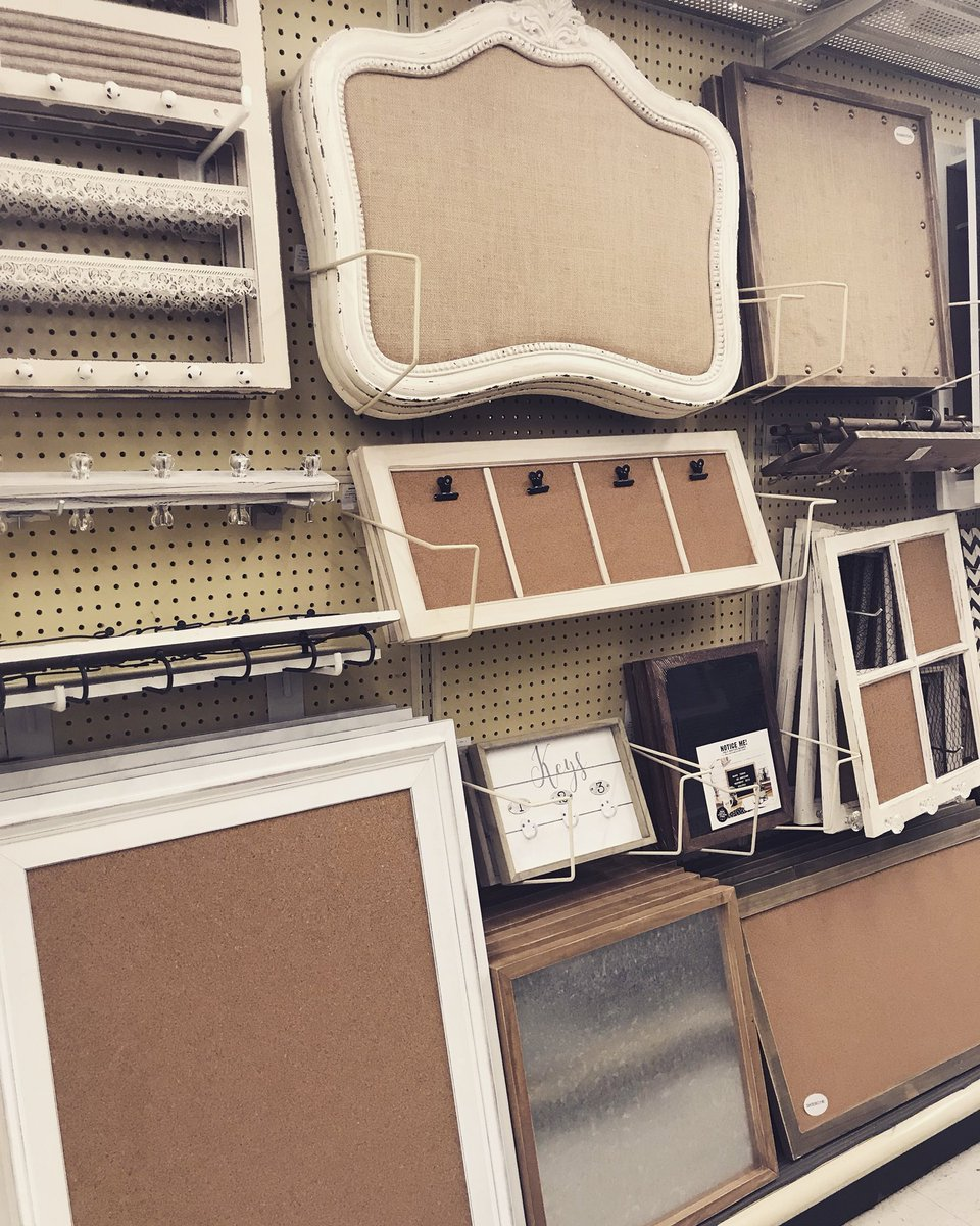 Let's get organized!  decorative memo boards &amp; corkboards priced $24.99 &amp; up are 50% off!  • • #hobbylobbylife #hobbylobby #hobbylobbyfarmhouse #hobbylobbyfinds #hobbylobbystyle #memo #corkboard <br>http://pic.twitter.com/0jtjNezfjO