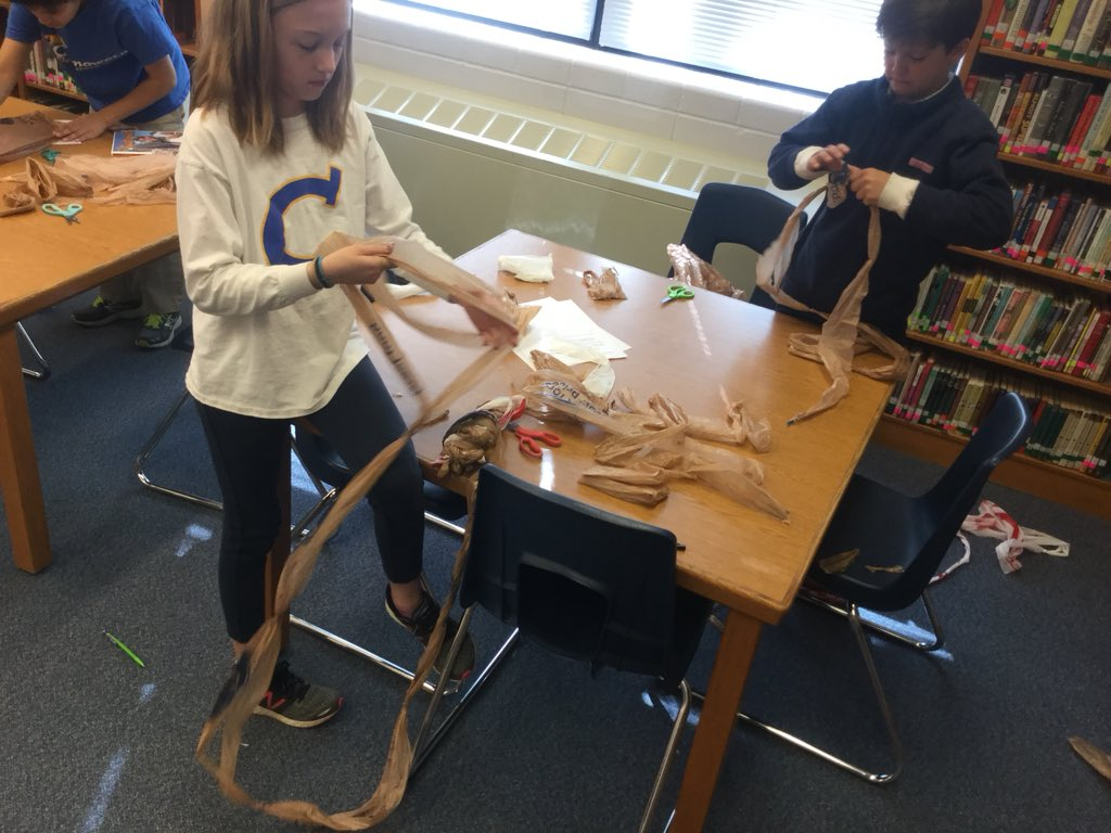 Reduce, reuse, repurpose, recycle  @chenowethes . Making plarn for sleeping mats for the homeless and t-shirts totes to eliminate the use of plastic bags #earthday #recycle #repurpose #JCPS #jcpslibraries #librarian <br>http://pic.twitter.com/6x9qNreVpA