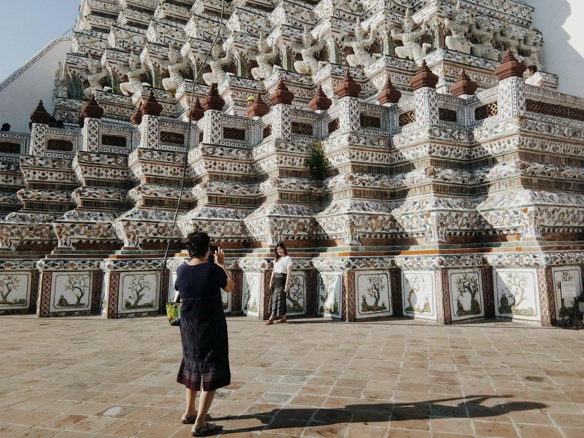 Wat Arun  —  #ReviewThailand <br>http://pic.twitter.com/qJjwLkCNiH