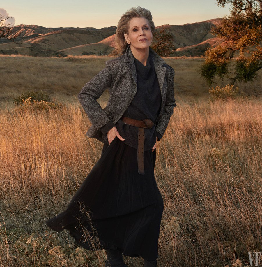.@JaneFonda is 80 years old and still conquering Hollywood https://t.co/P6CHlzwGoa https://t.co/q4K7D1fFEy