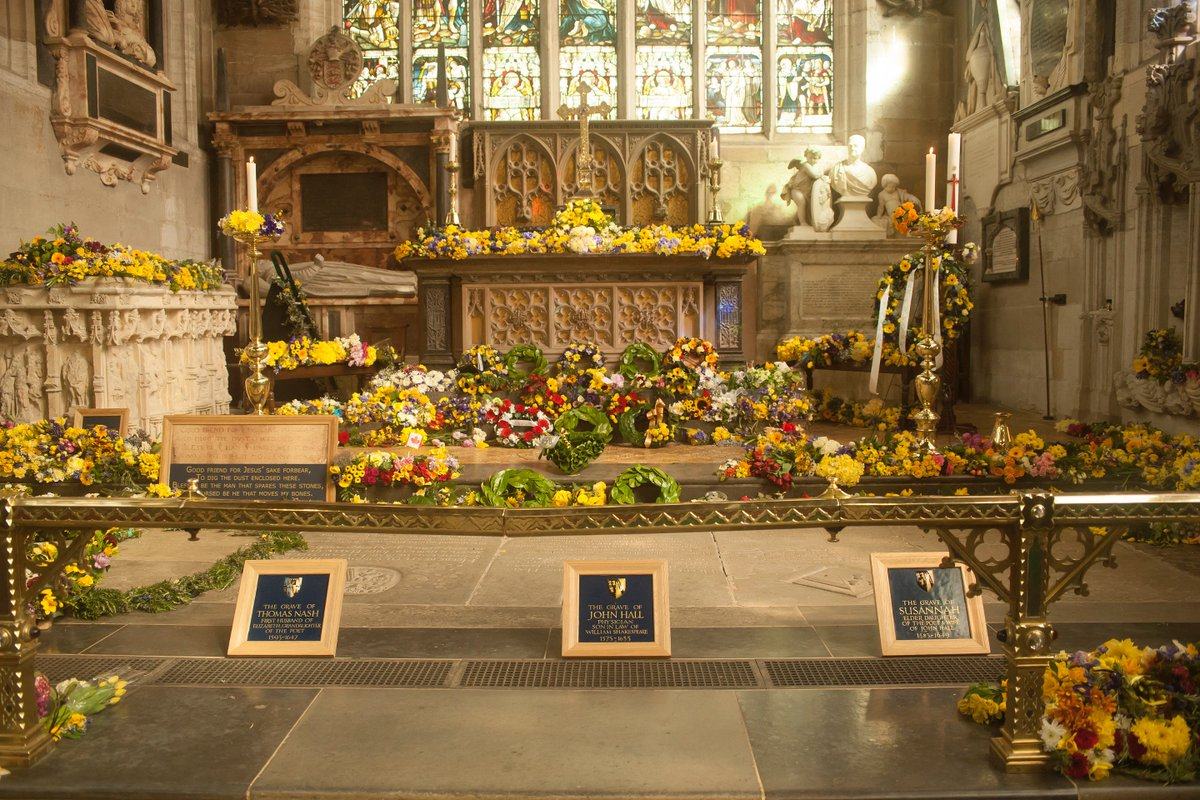 Holy trinity church on twitter a busy weekend ahead for the birthday celebrations the laying of flowers on the grave on sat 21 april following the procession and our shakespeare sunday service on sun 22 april izmirmasajfo