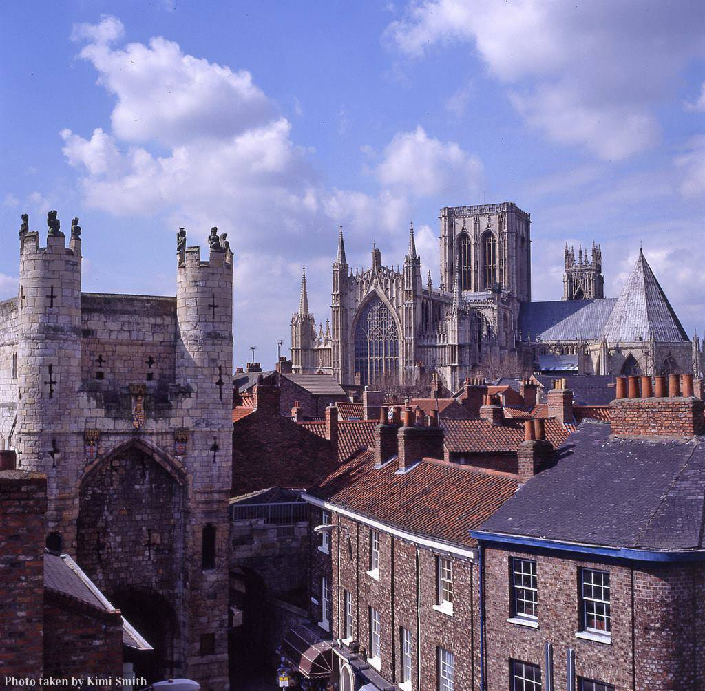 Celebrating #WorldHeritageDay in #York where centuries of inspiration, endeavour and achievement are on show at every turn. <br>http://pic.twitter.com/FPSukpdzqR