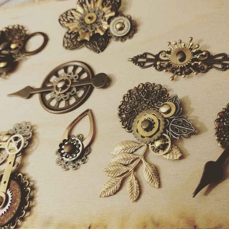 Steampunk DIY: I've got some #wip to mess with today... how about you? Have a lovely Sunday! https://t.co/aQpE2v6Ww0 #steampunkstyle #steampunk #giftsforher #handmade #handmadejewelry #statementnecklace #brassjewelry #picoftheday #upcycledart #bohojewel… https://t.co/z6S3DhX8DQ
