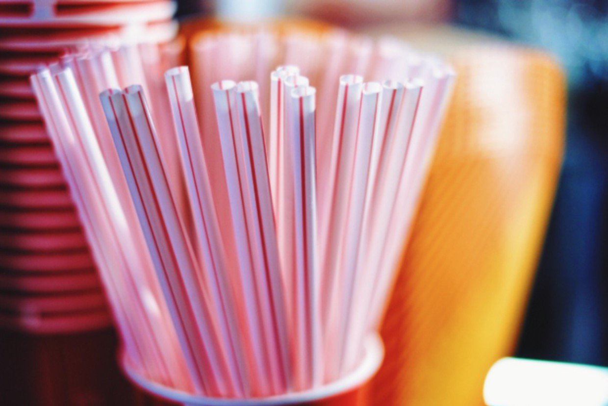 Plastic drinking straws to be BANNED as Theresa May reveals push to protect marine wildlife  https://t.co/BdIWS4CwXx https://t.co/et7tzwEXBJ