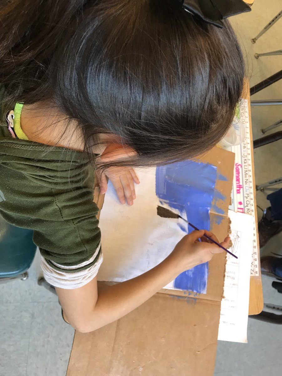 Third graders paint their flags today representing an ancient civ <a target='_blank' href='http://twitter.com/APSDrew'>@APSDrew</a> <a target='_blank' href='https://t.co/VDBgd9HIAz'>https://t.co/VDBgd9HIAz</a>